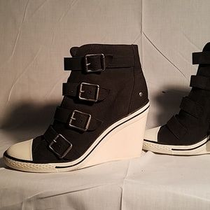 Vera Wang Chuck Taylor Style Wedge Sneaker Booties